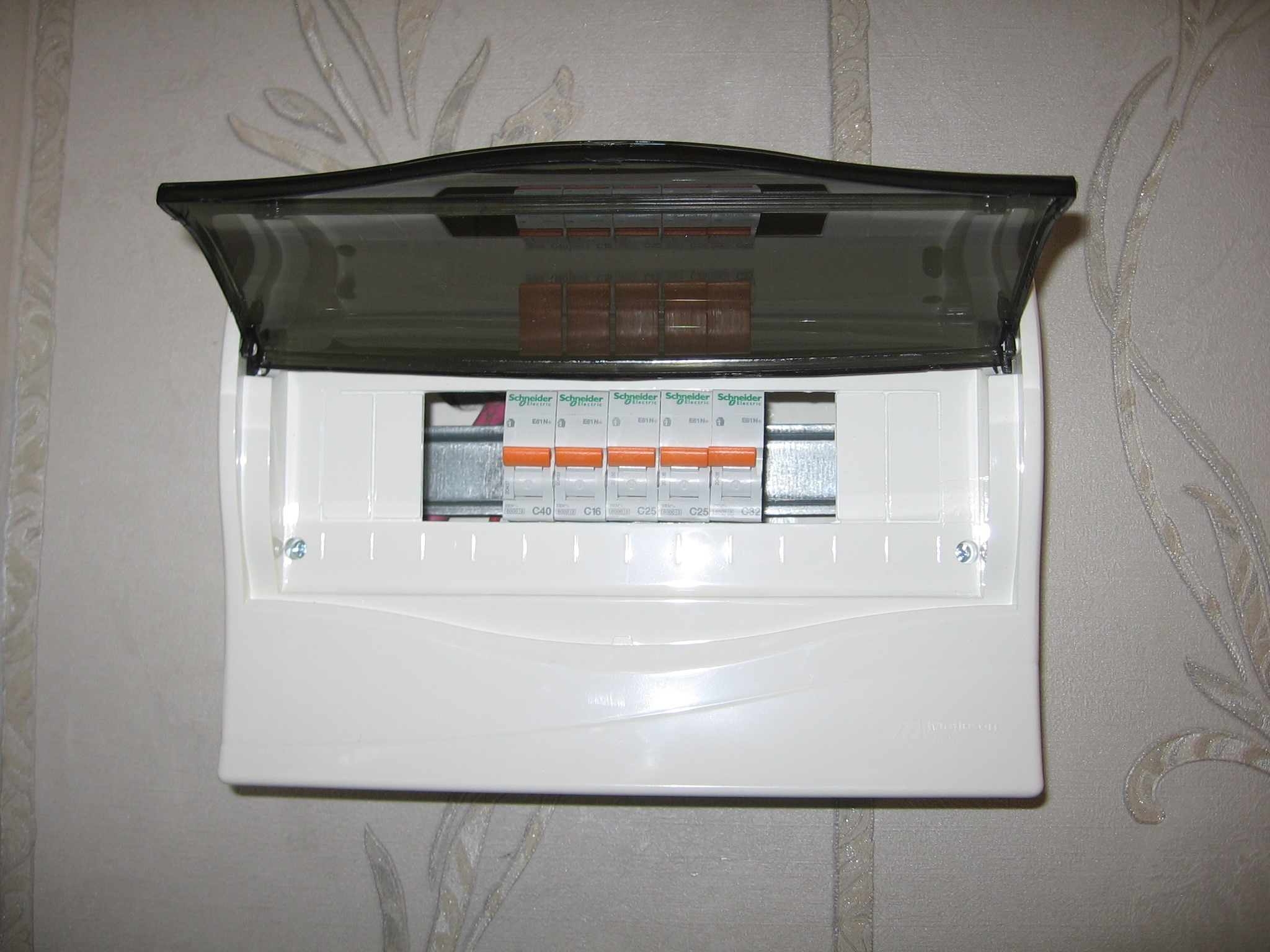 Монтиране на електрическо табло, монтиране на ел табло Пловдив
